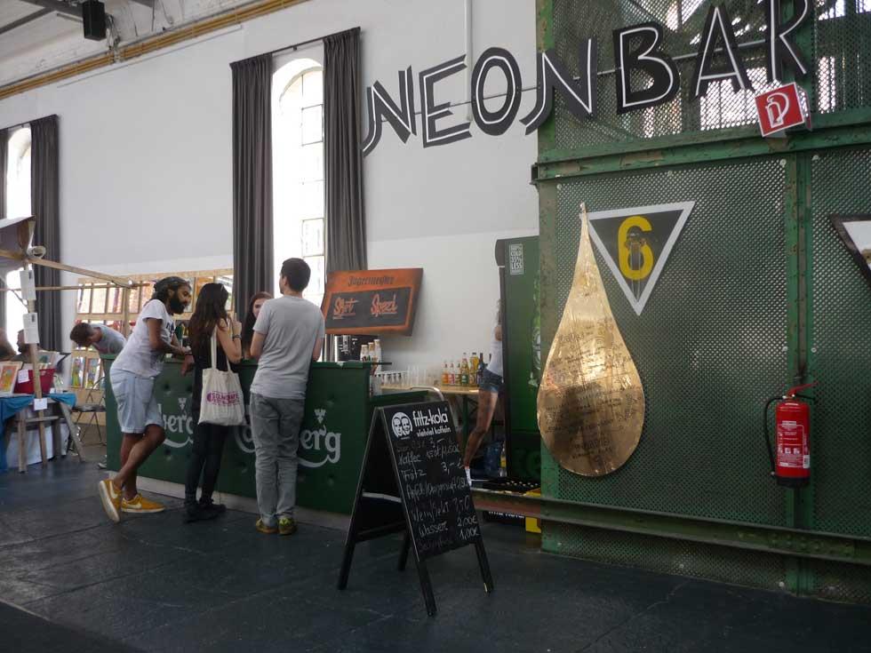 neonchocolatefestival, die Bar