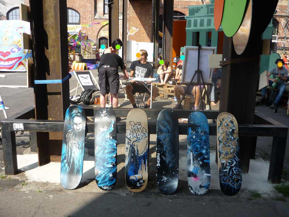 neonchocolatefestival, Sprayerkunst für Skateboards